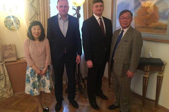 Домовленість з послом Японії про висадку алеї сакури