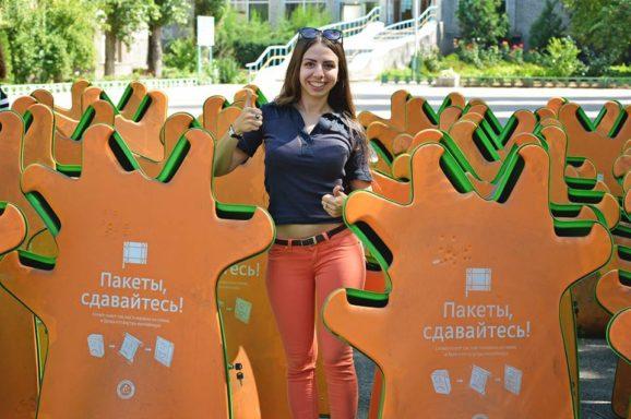 Миколаїв отримав 170 контейнерів для упаковки від молока та соків
