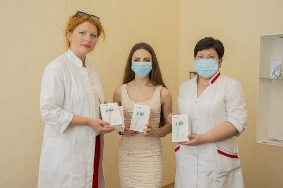 Передали лікарям 40 безконтактних термометрів